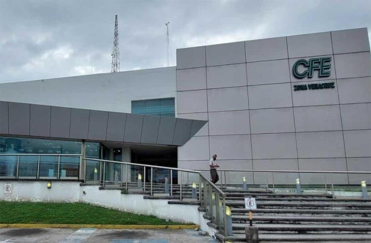 Llevan 3 días sin luz en Soledad de Doblado; exigen atención a CFE