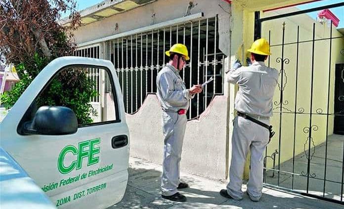 Falsos trabajadores de CFE roban a sexagenaria del Fraccionamiento Reforma