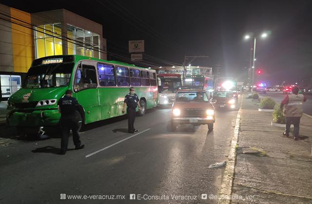 Choque entre urbanos deja 8 lesionados en Coatza