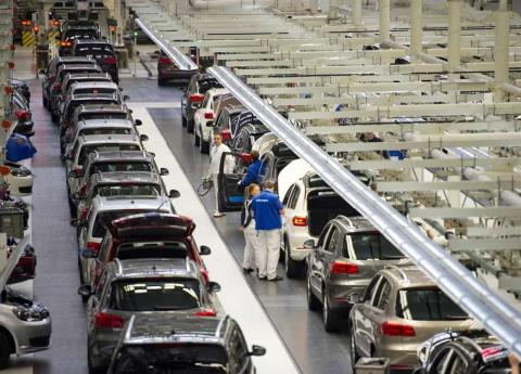 Por defecto en control de velocidad, Fiat Chrysler revisará 4.8 millones de autos