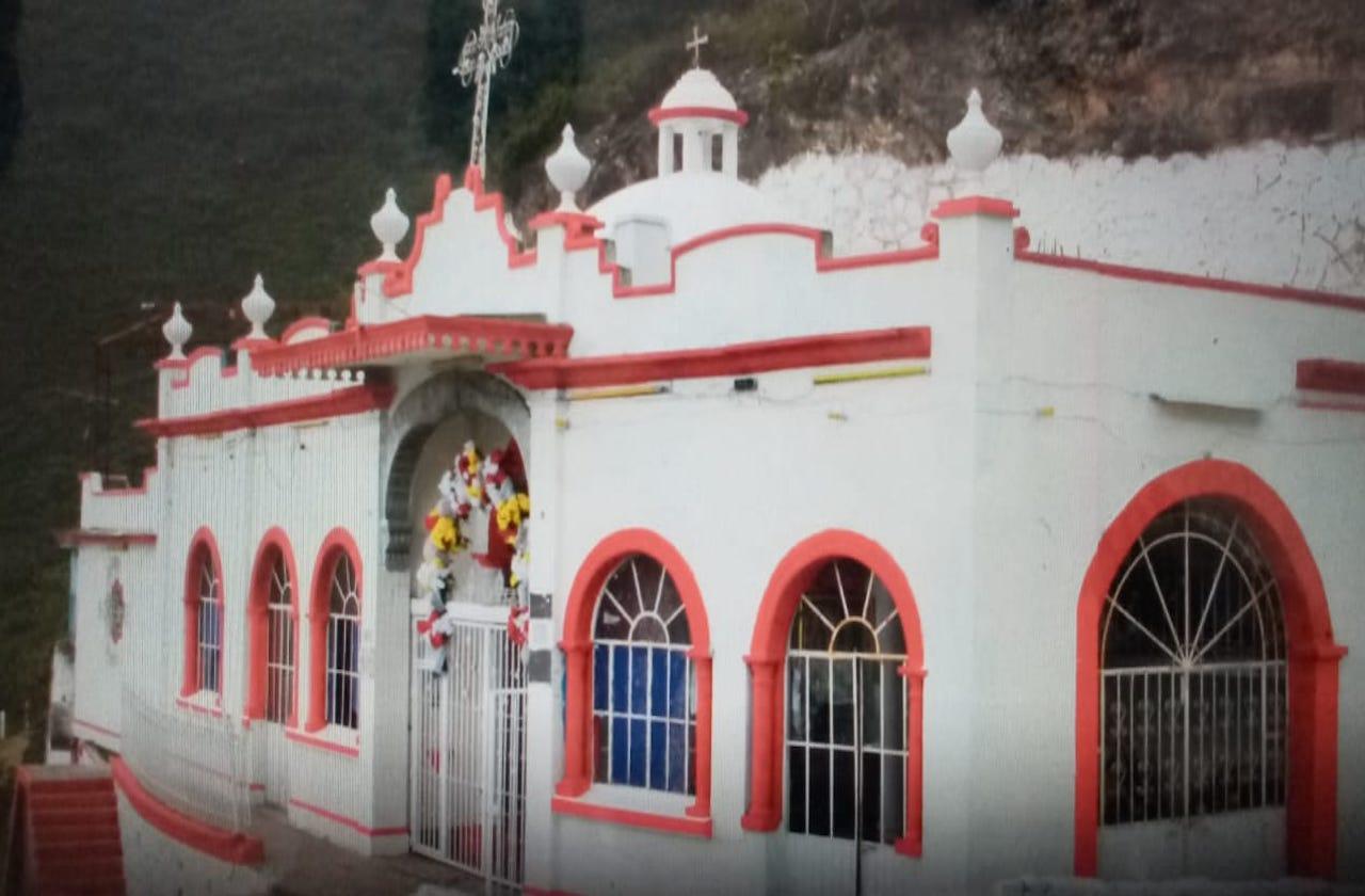 Cierran Ermita para evitar contagios covid, en Acultzingo