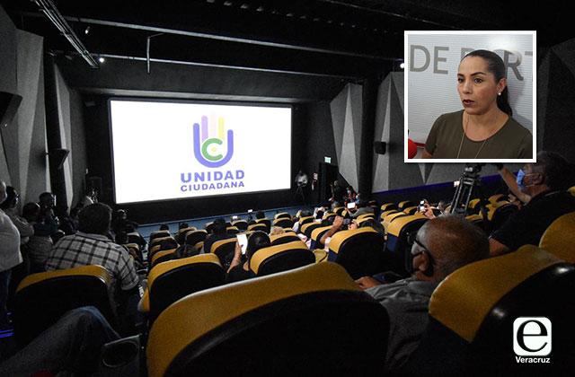 Aglomeran reporteros en cine para presentar nuevo partido estatal