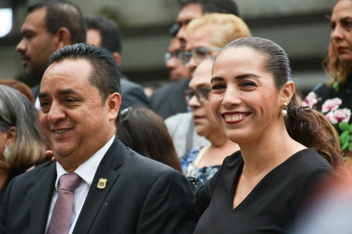 """Congreso necesita """"cambio de timón"""", dice la panista Cinthya Lobato"""