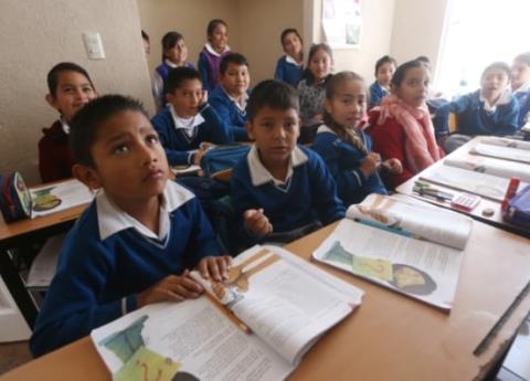 AMLO plantea regresar clases de Civismo y Ética en escuelas públicas