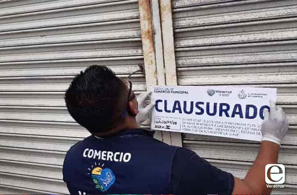 Clausuran puestos de fayuca en el Puerto por negarse a cerrar