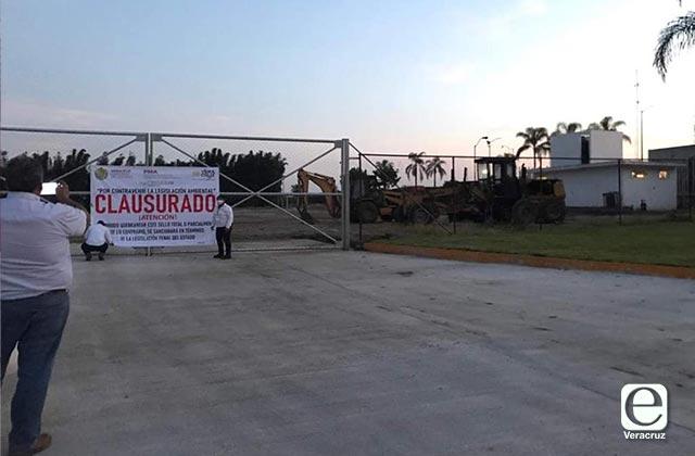 Por contaminación, clausuran alcoholera de Atoyac