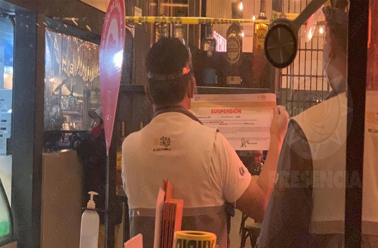 Clausuran 4 bares de Coatza por incumplir medidas sanitarias