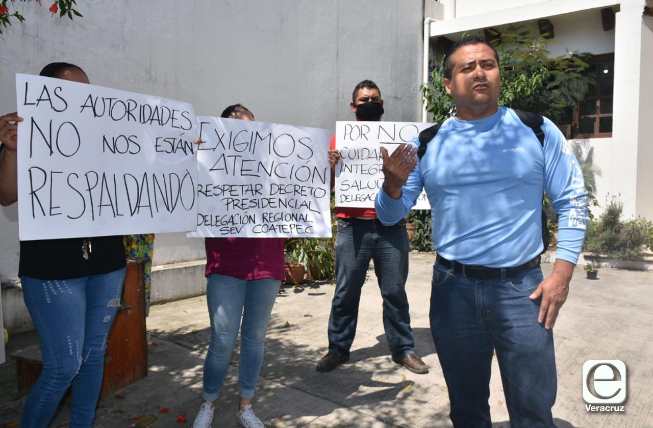 Trabajadores de la SEV en Coatepec se dicen expuestos al coronavirus