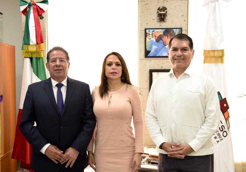Alcalde y síndica de Coatza llegan a un acuerdo tras diferencias