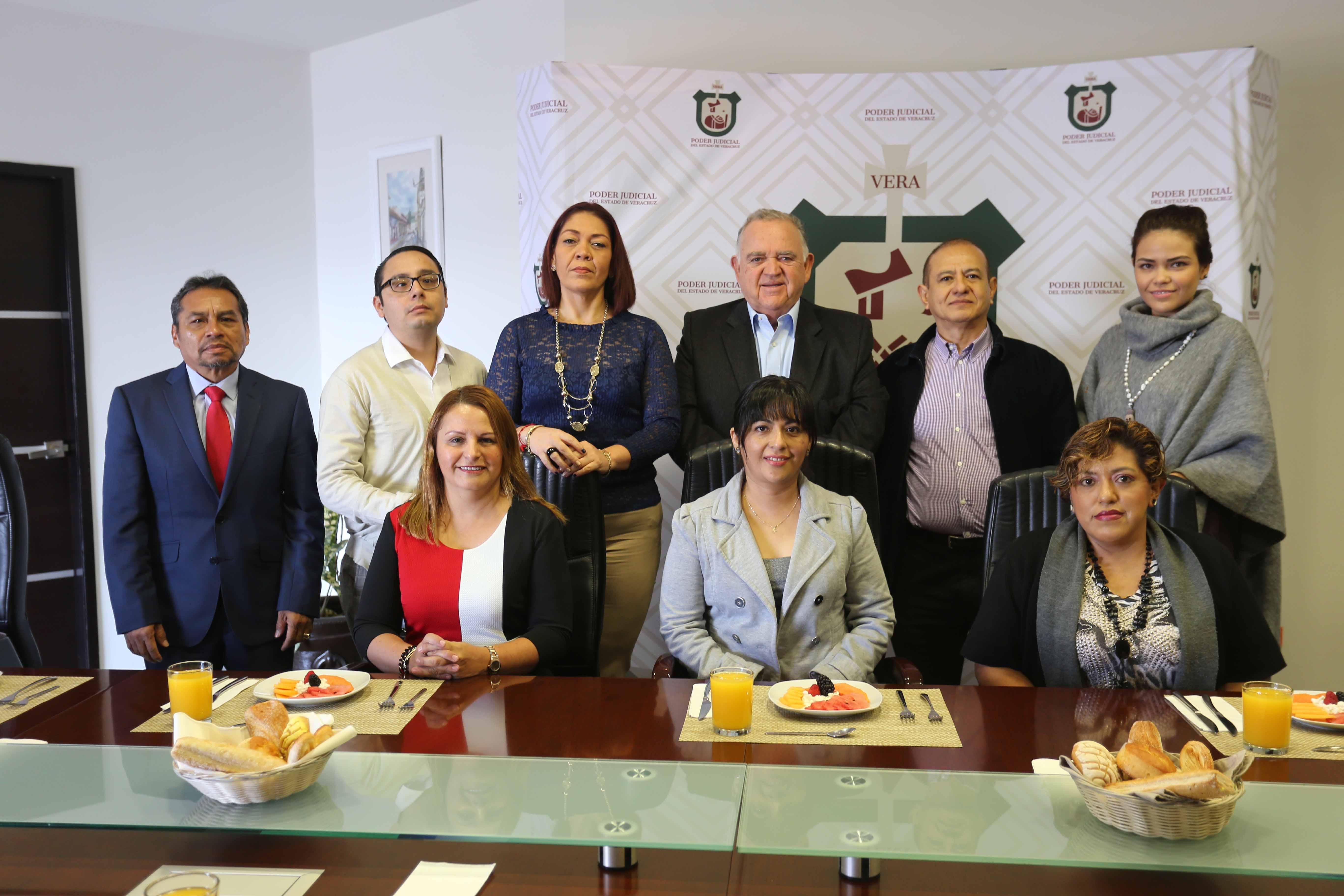 Reunión de trabajo de integrantes del Colegio Único de Jueces con Álvarez Peña