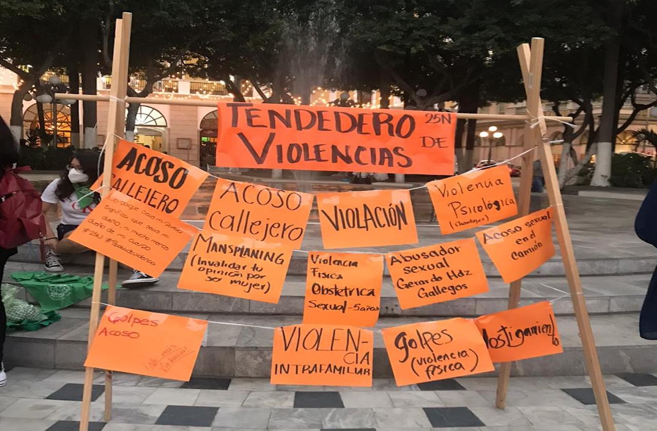 Colmena Verde exhibe tendedero de violencias, en Veracruz
