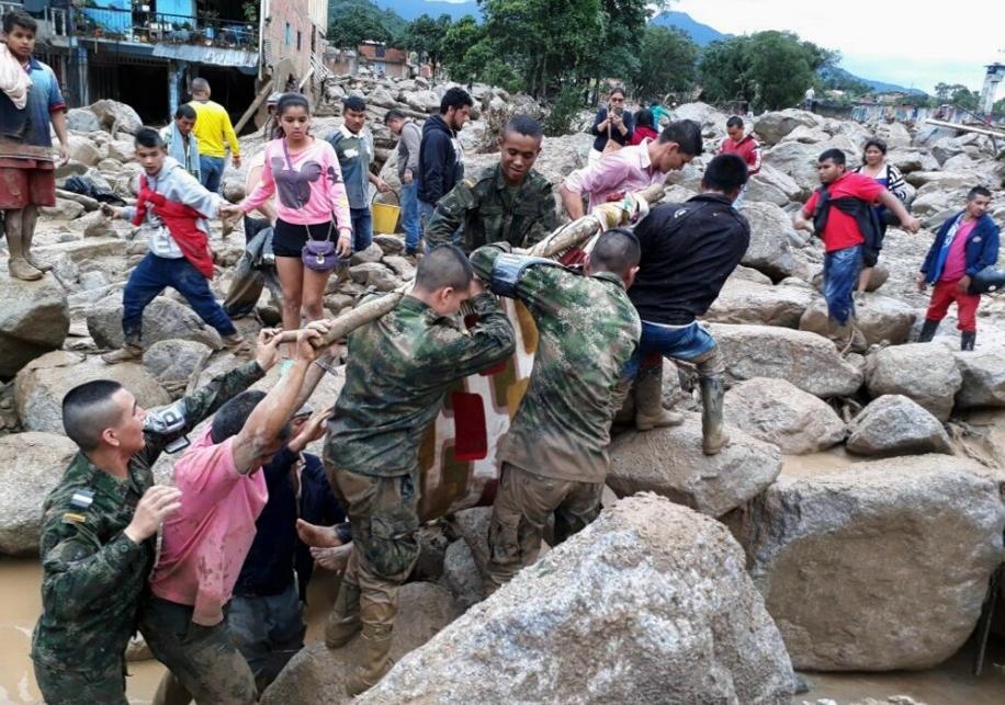 Reportan 254 muertos y 400 heridos por deslave en Colombia