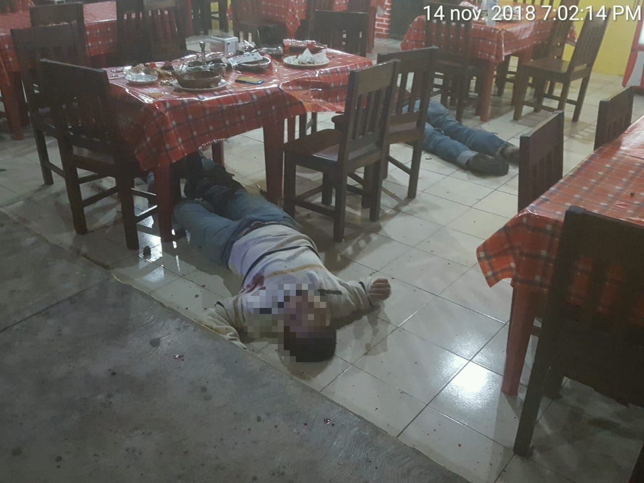 Asesinan a cuatro comensales en restaurante de Sayula