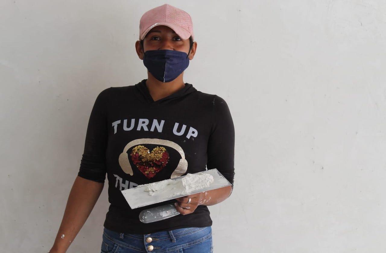 Como 'albañila', Saredi se sobrepone a crisis de la pandemia en Xalapa