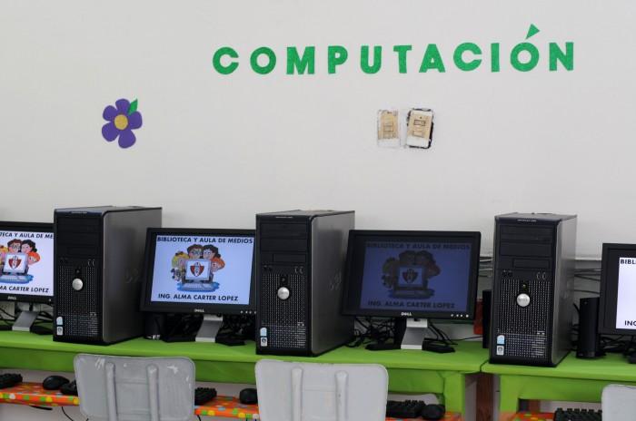 Sin tecnología 5 de 10 alumnos en México: OCDE