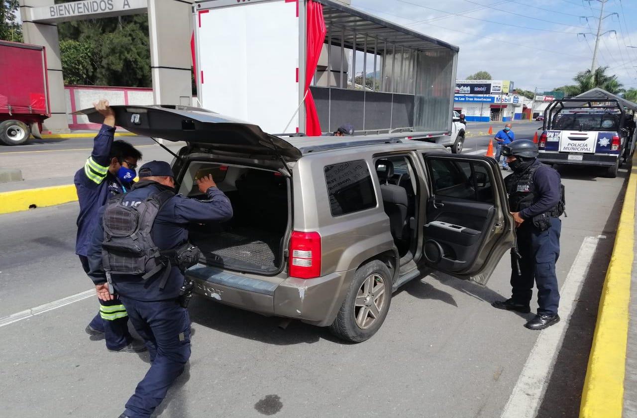 Con este operativo buscan autos robados en Ixtac