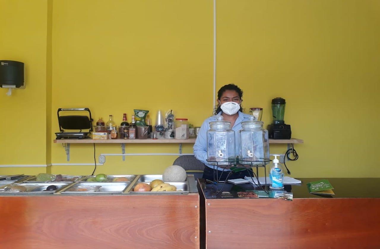 Con pandemia y crisis económica, Eva emprendió negocio de jugos