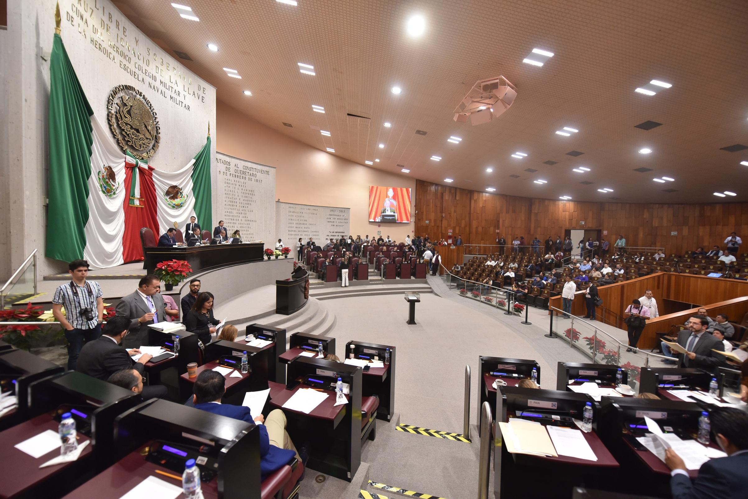 Congreso notifica a Fiscal sobre solicitudes de juicio político en su contra
