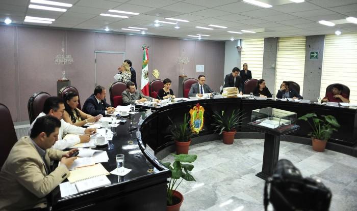 PRI y Morena dejan fuera dictamen de reordenamiento