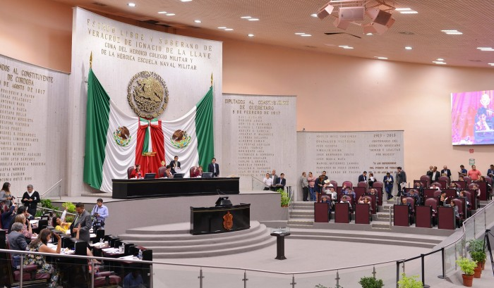 Piden a diputados abrir al debate público reformas