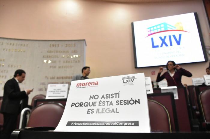 PRI, Morena y Juntos por Veracruz plantan al PAN en sesión extraordinaria