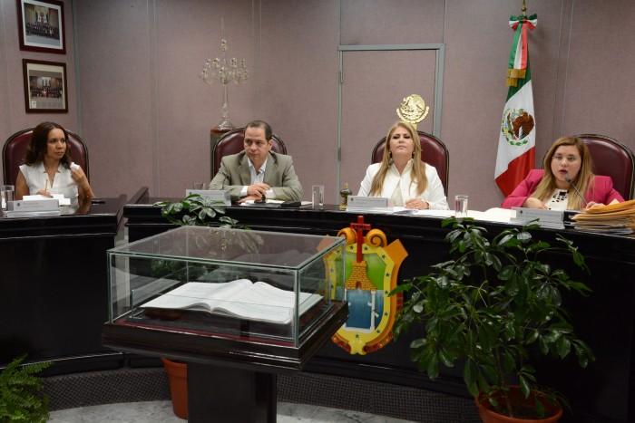 El miércoles definirán procedencia de denuncia de juicio político