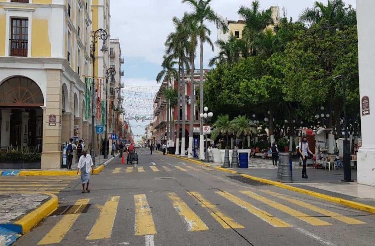 Convocan a eventos masivos pese a semáforo rojo, en Veracruz