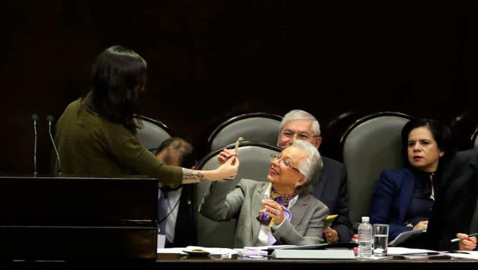 Para recordar legalización, Sánchez Cordero recibe