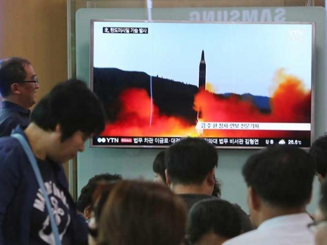 Norcorea insiste en su desafío, lanza otro misil de medio alcance: EU