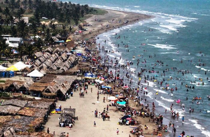 Esperan más de 200 mil turistas en Costa Esmeralda