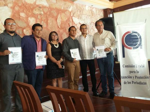Entregan premio estatal de reportaje a periodistas en Veracruz