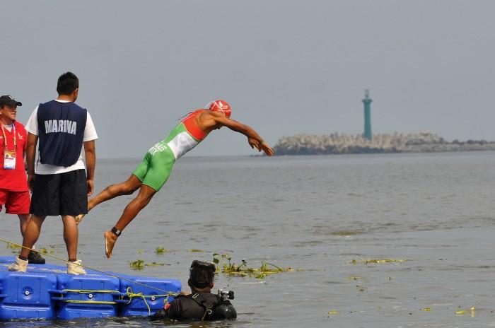 Quitan presión al triatleta nacional Crisanto Grajales