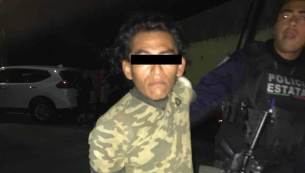 Acosador no logra entrar a casa de estudiante, deja dinero y una carta en Minatitlán