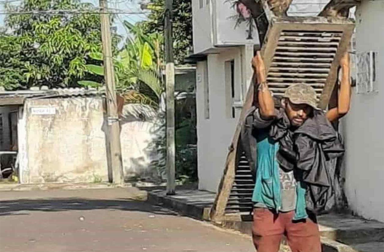 Demandan comercio de chatarra por robo de alcantarillas en Veracruz