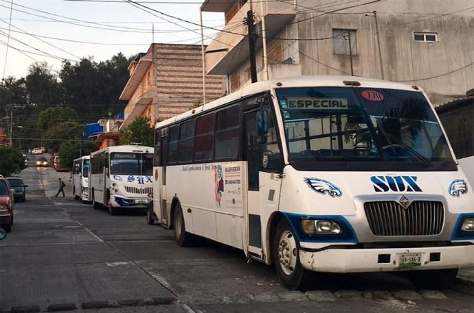 Líneas de autobuses en Xalapa niegan descuento a adultos mayores