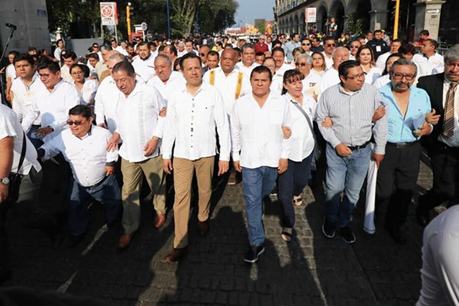 Enfrenta gobierno de Cuitláhuac 4 mil demandas por despido injustificado