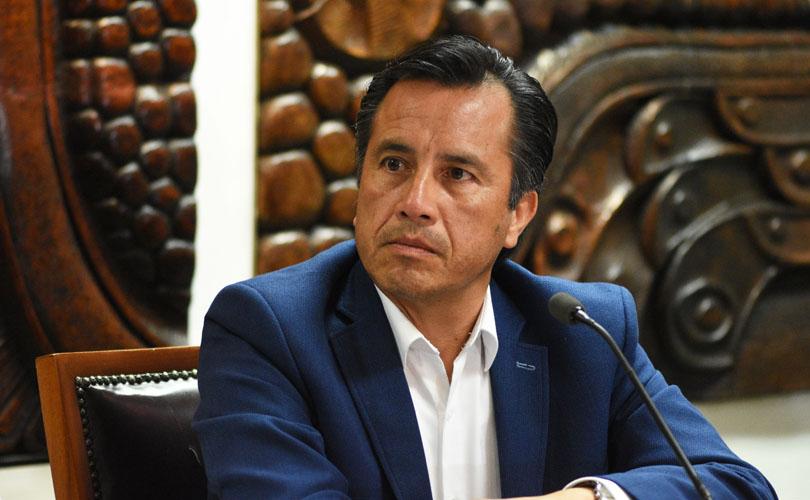 Queda en amague, propuesta de desaparecer poderes en Veracruz