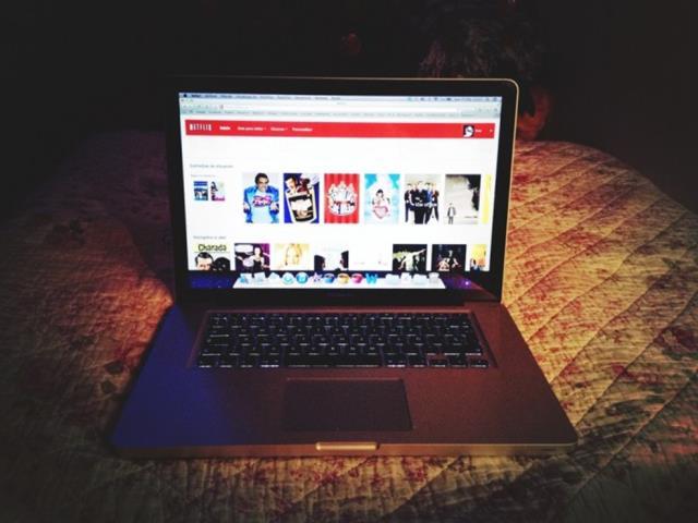 Se llama insomnio y sí, Netflix puede provocarlo