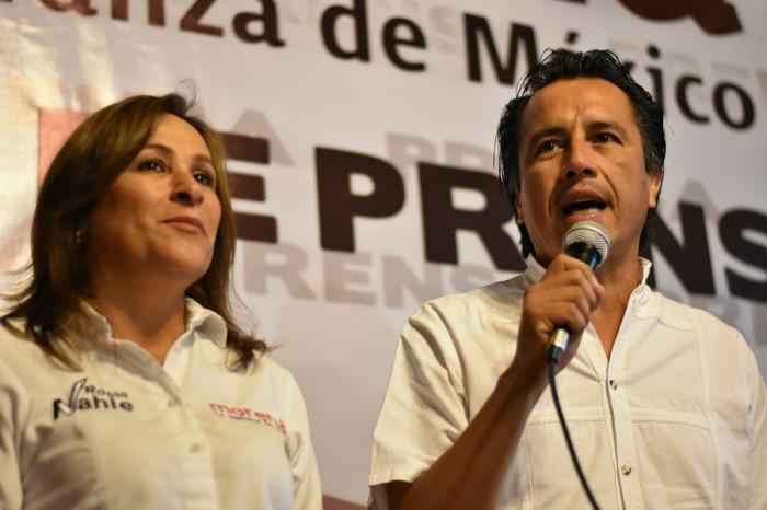 Cuitláhuac no descarta contender para la gubernatura en 2018