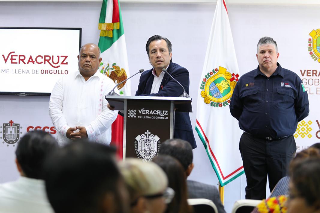 Descarta Cuitláhuac cambios en su gabinete