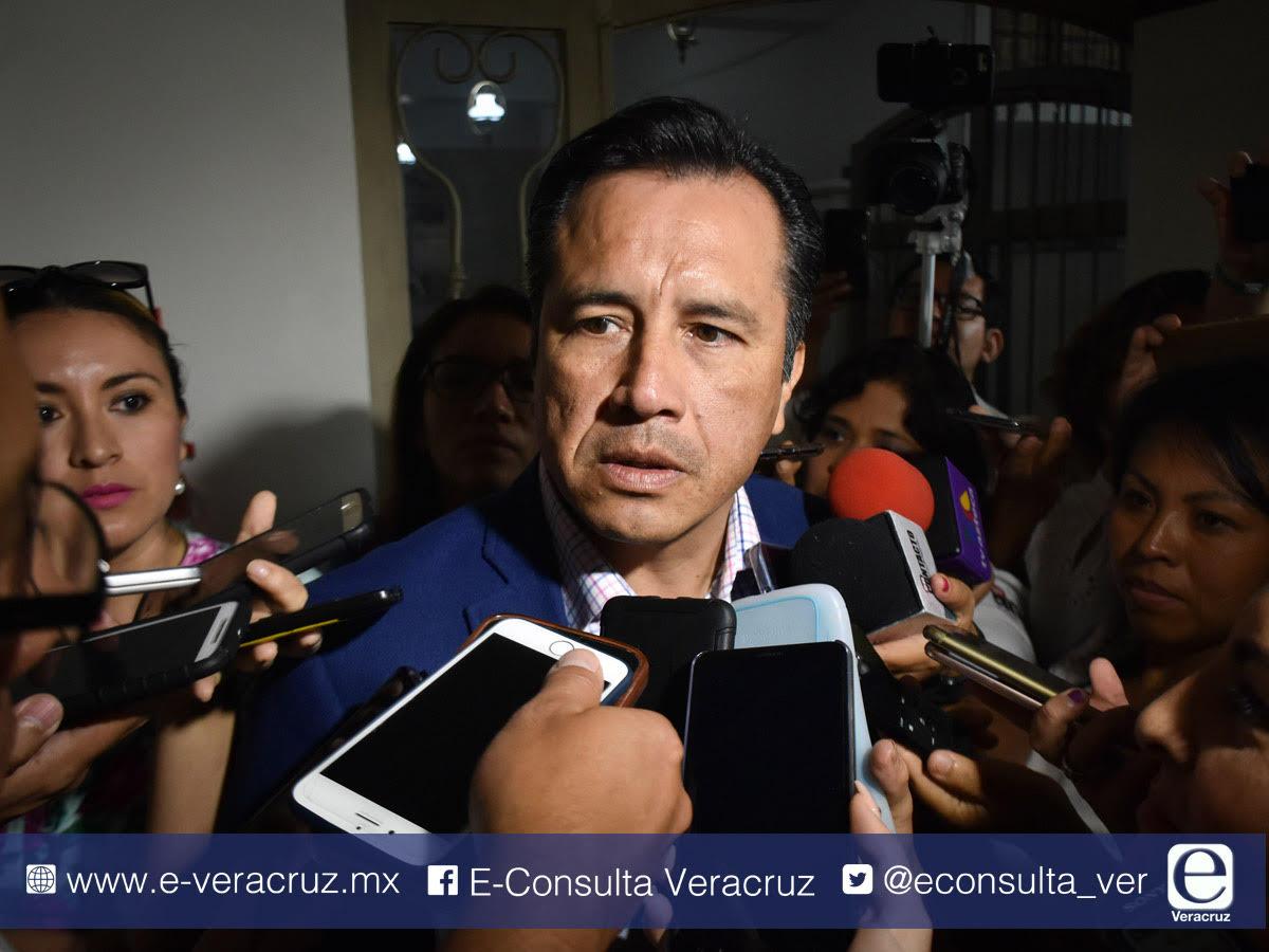 Si Yunes no paga aguinaldos, Cuitláhuac denunciará
