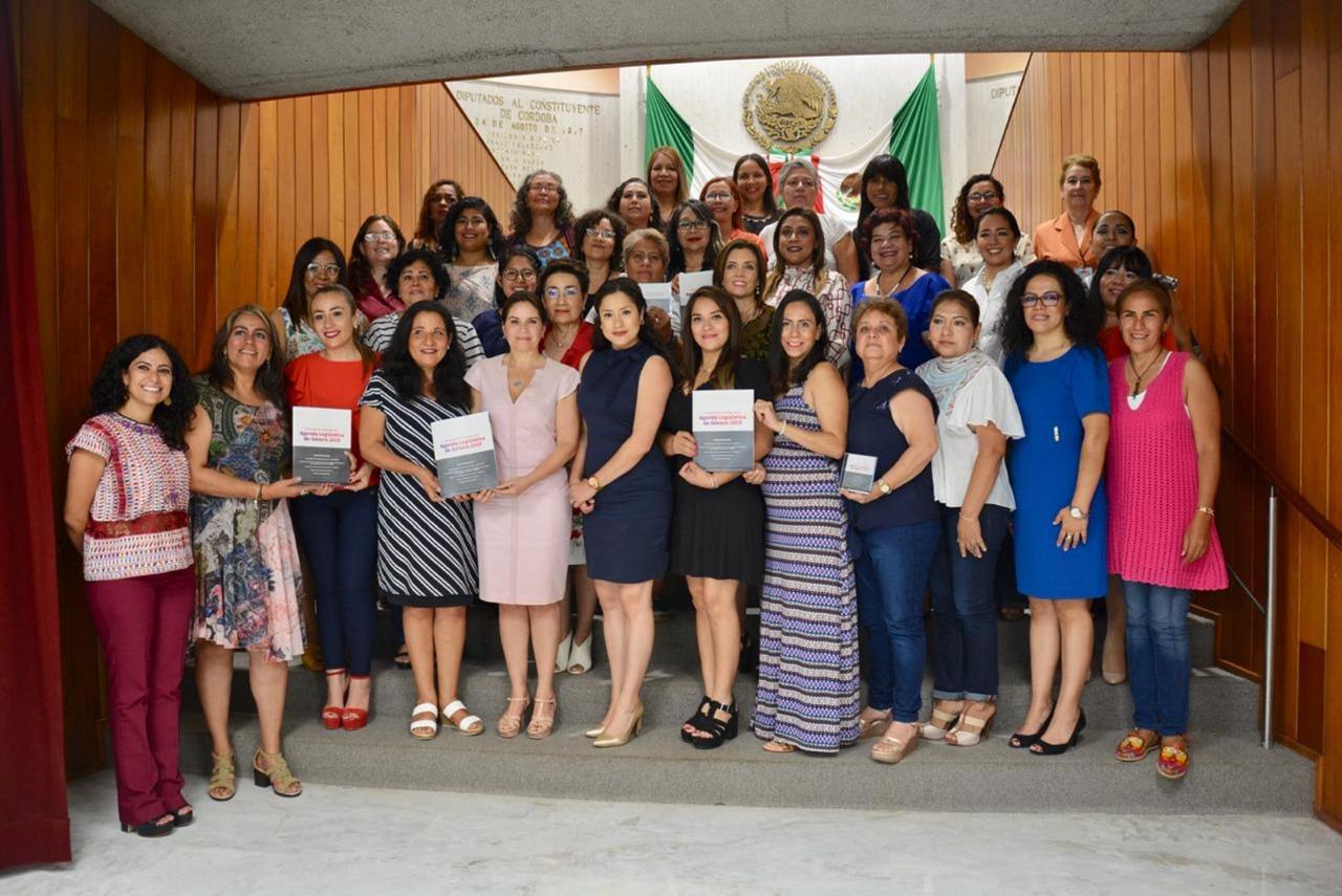 Estas son las peticiones de feministas a diputados y a Cuitláhuac