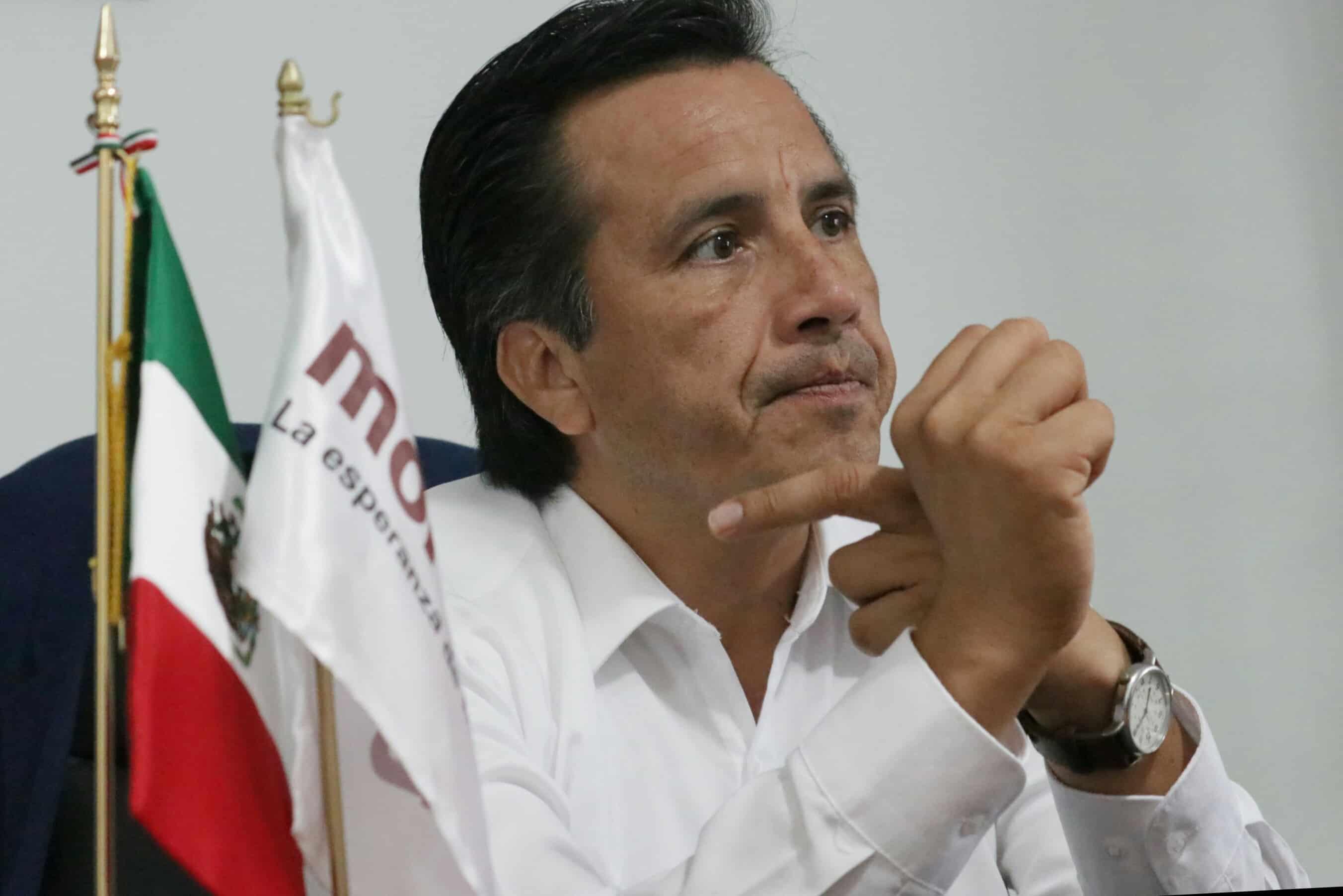 Cuitláhuac embarrado en caso de posible conflicto de interés por medicinas