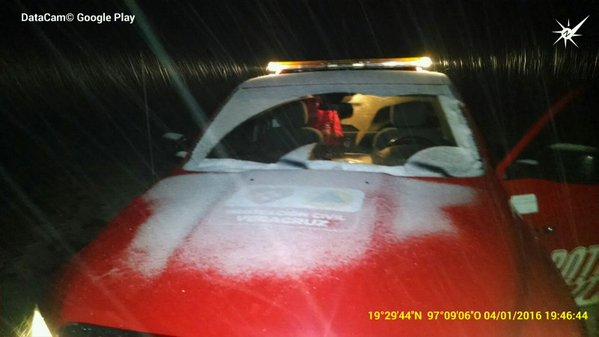 Cae nieve en el Cofre de Perote reportan autoridades de PC