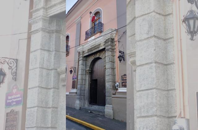 Por brote covid, cierran puertas de preparatoria en Orizaba