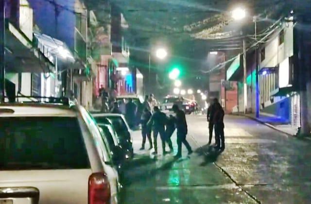 Noche violenta en Córdoba: Un hombre asesinado y un baleado
