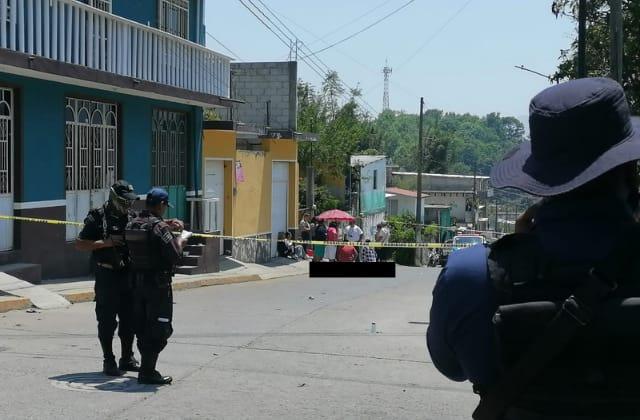 Asesinan a menor en balacera cerca de Palacio Municipal de La Perla