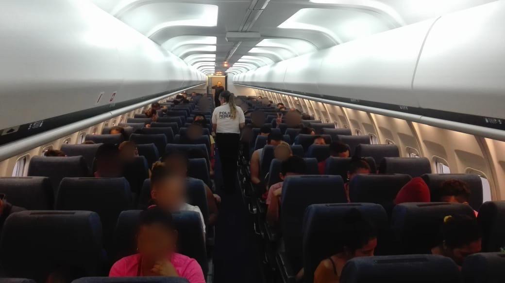 Deportan a 106 hondureños de Veracruz a Honduras
