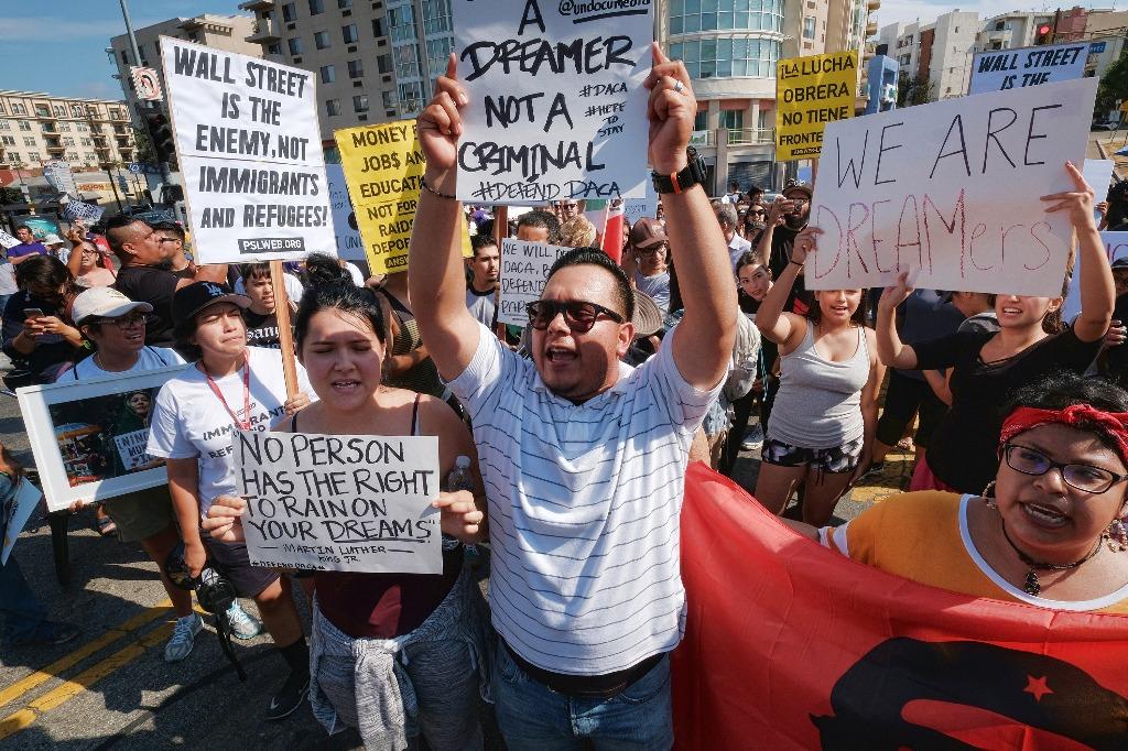 Por DACA, Trump afectaría a 622 mil dreamers mexicanos