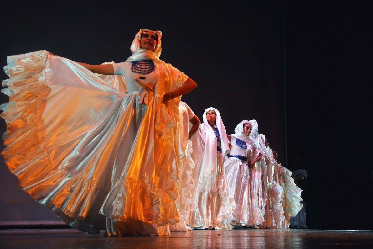 Academia de ballet en latex - 2 part 3